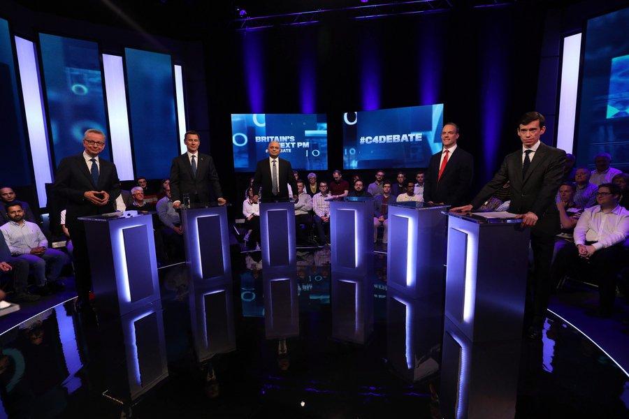 Debate μεταξύ των διαδόχων της Μέι για την ηγεσία των Συντηρητικών - Στο στόχαστρο ο Τζόνσον