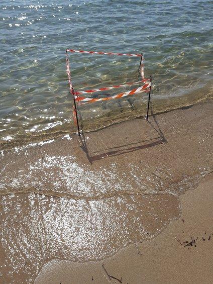 Ξεχασμένη νάρκη στην παραλία στο Πετροχώρι!