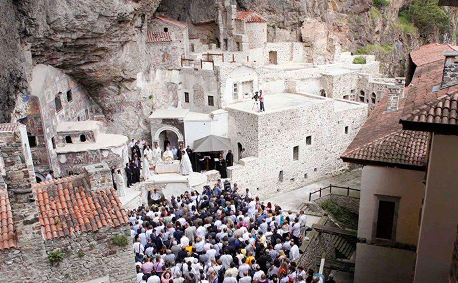 Τουρκικός τύπος: Η Άγκυρα διεκδικεί κειμήλια της Παναγίας Σουμελά