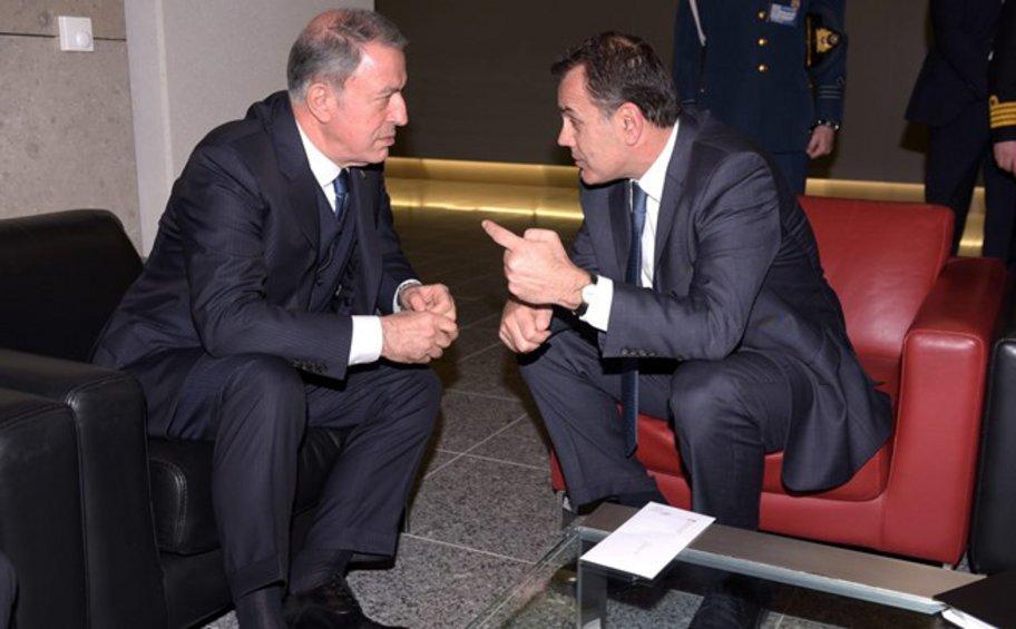 Συνάντηση Παναγιωτόπουλου-Ακάρ στο περιθώριο της Συνόδου Υπουργών Άμυνας του ΝΑΤΟ στις Βρυξέλλες