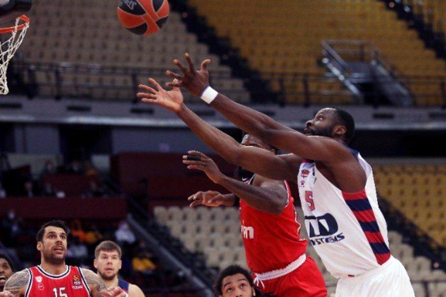Οι απουσίες τον «λύγισαν»: Ολυμπιακός-Μπασκόνια 76-90