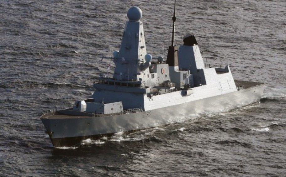 Βρετανία-Ρωσία: Το Λονδίνο υποβαθμίζει το περιστατικό με τα προειδοποιητικά πυρά στη Μαύρη Θάλασσα εναντίον βρετανικού αντιτορπιλικού